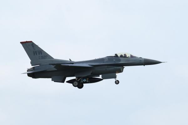 F16cm190502mt330