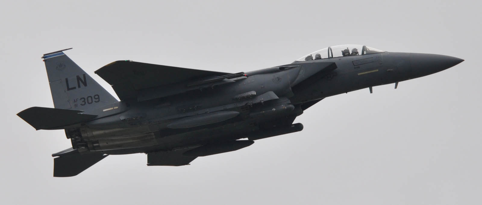 F15e10822g032
