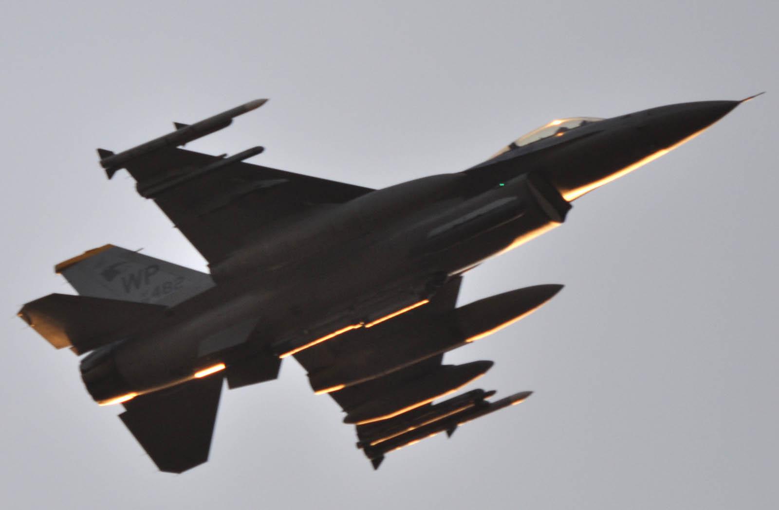F16cg111218g198