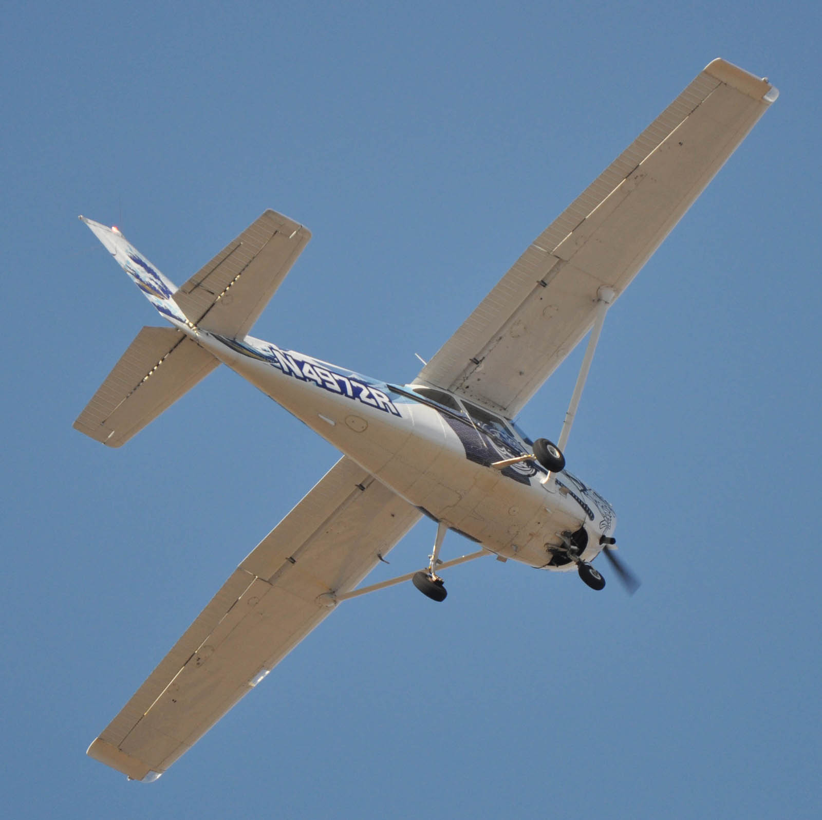 Cessna120104g764