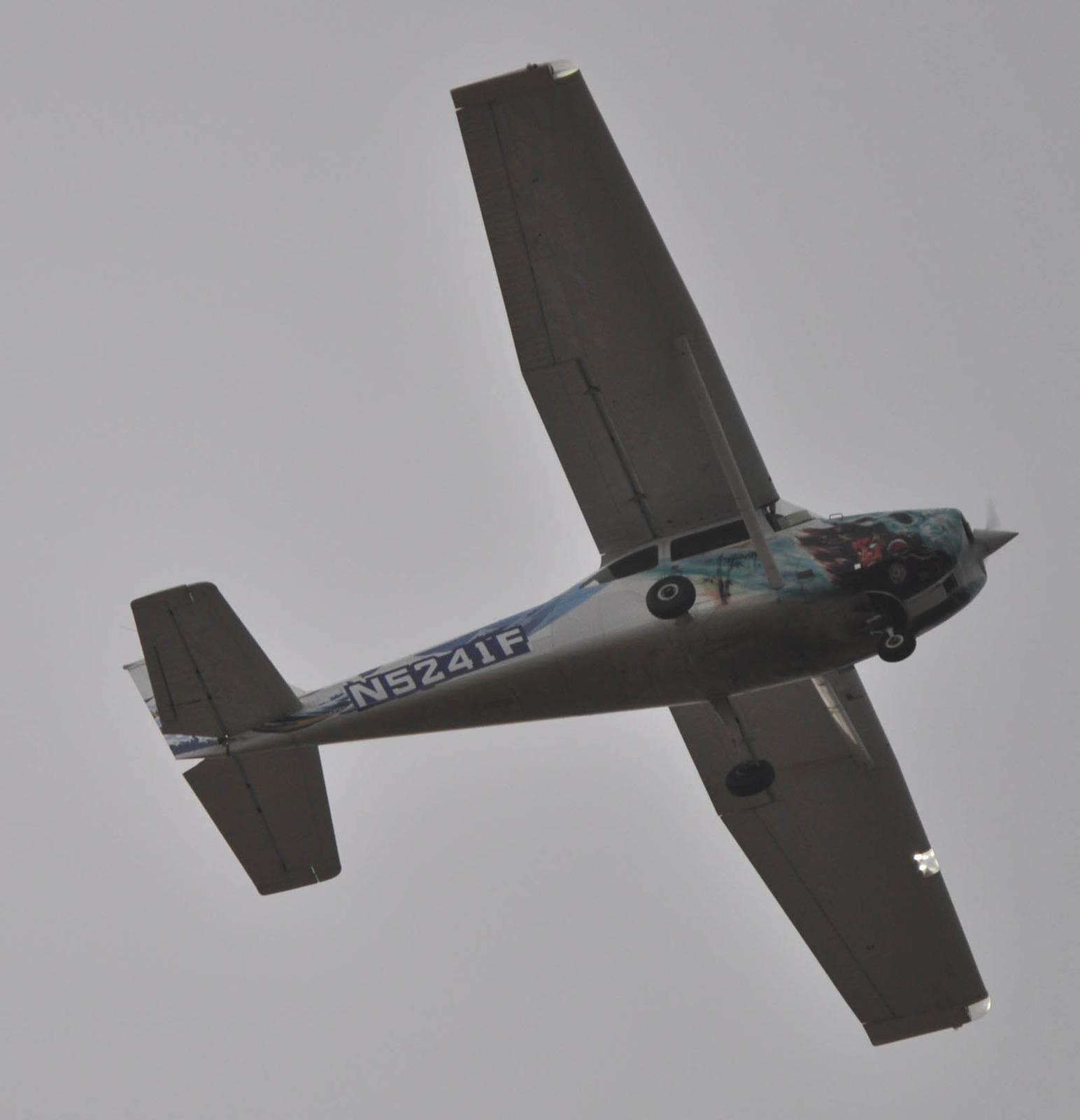 Cessna120104g832