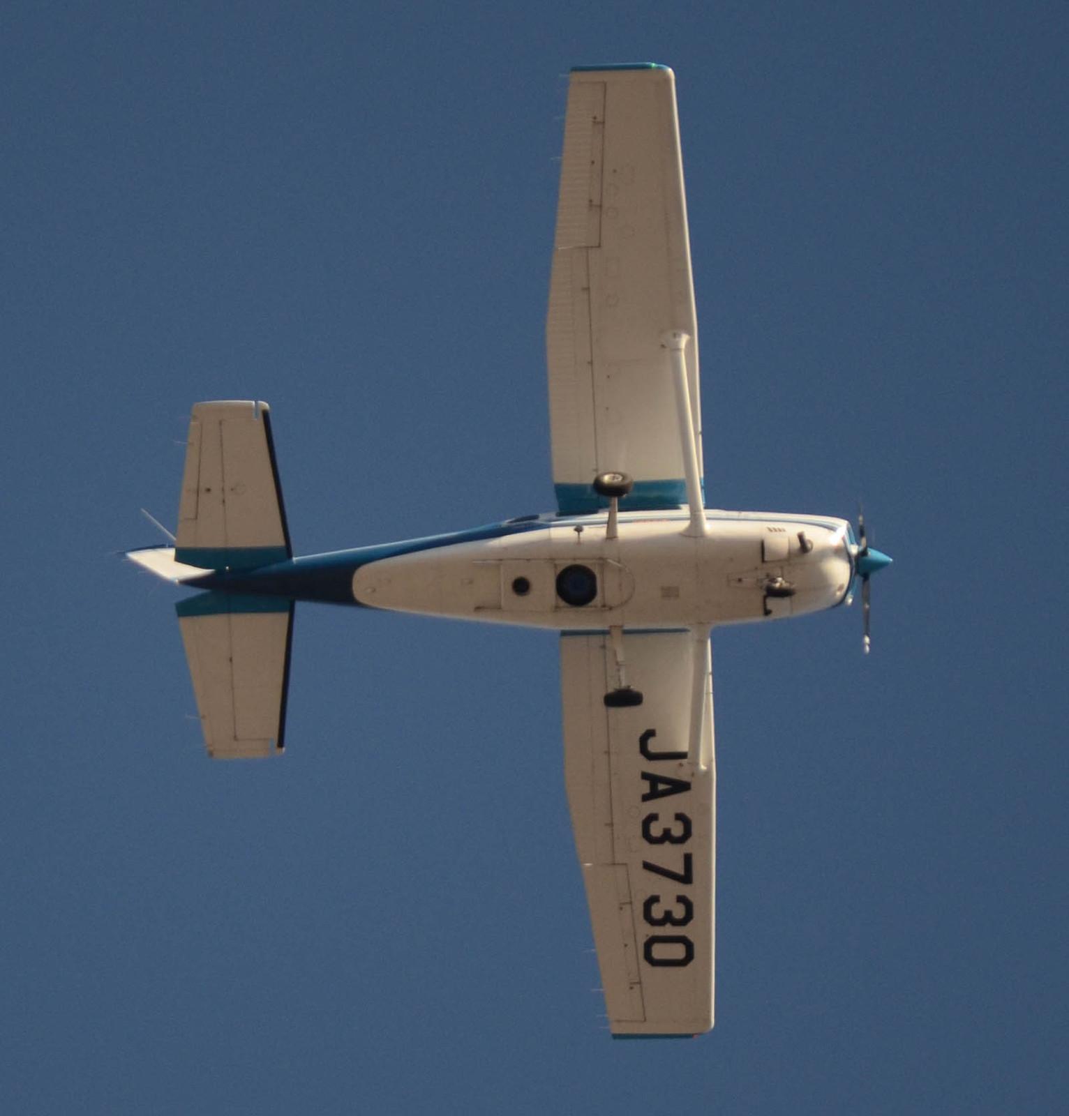 Cessna130103g562