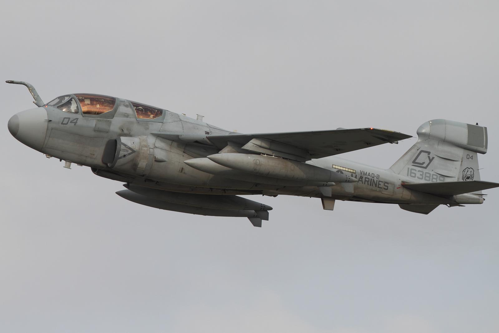 5月10日 EA-6B CY04