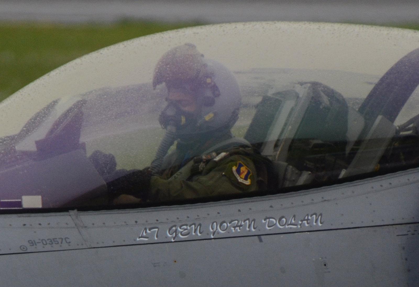 F16cm150605g061