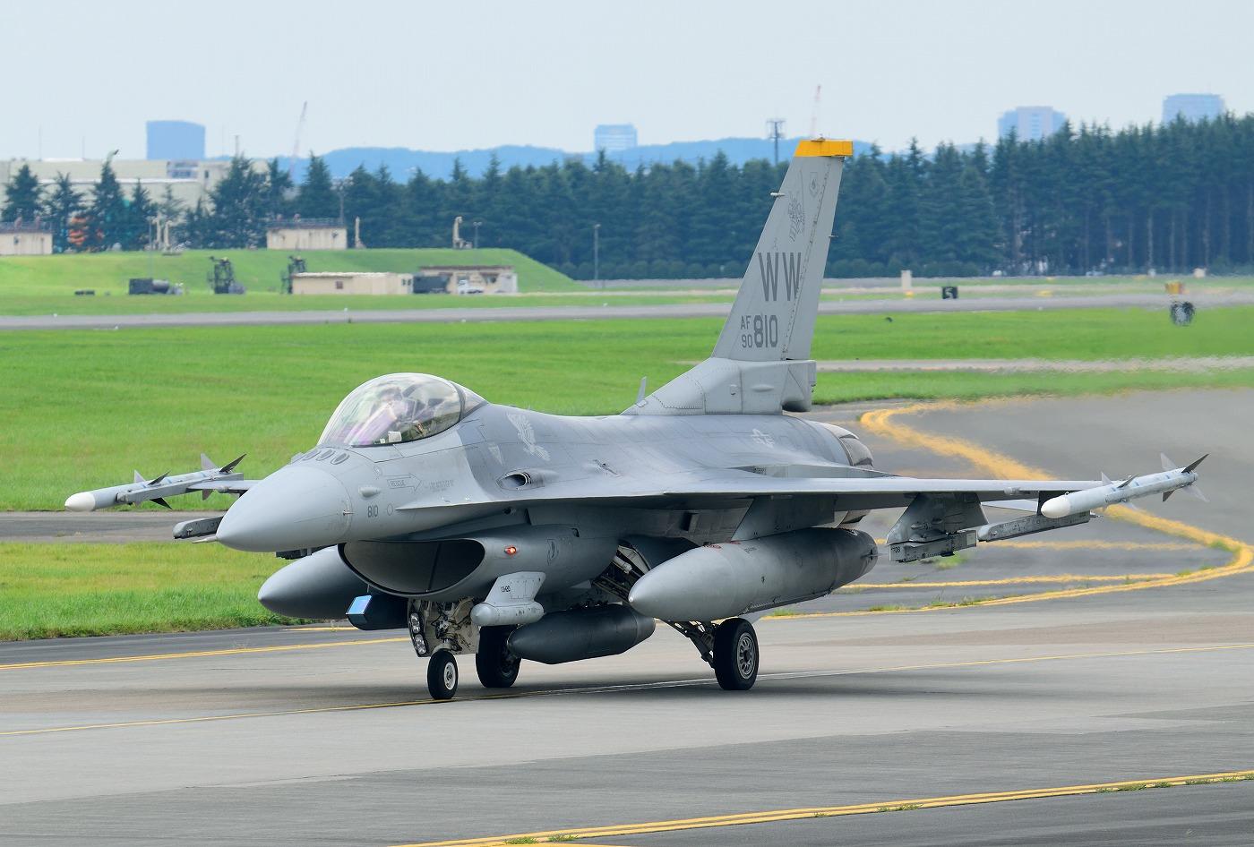 F16cm150724g978