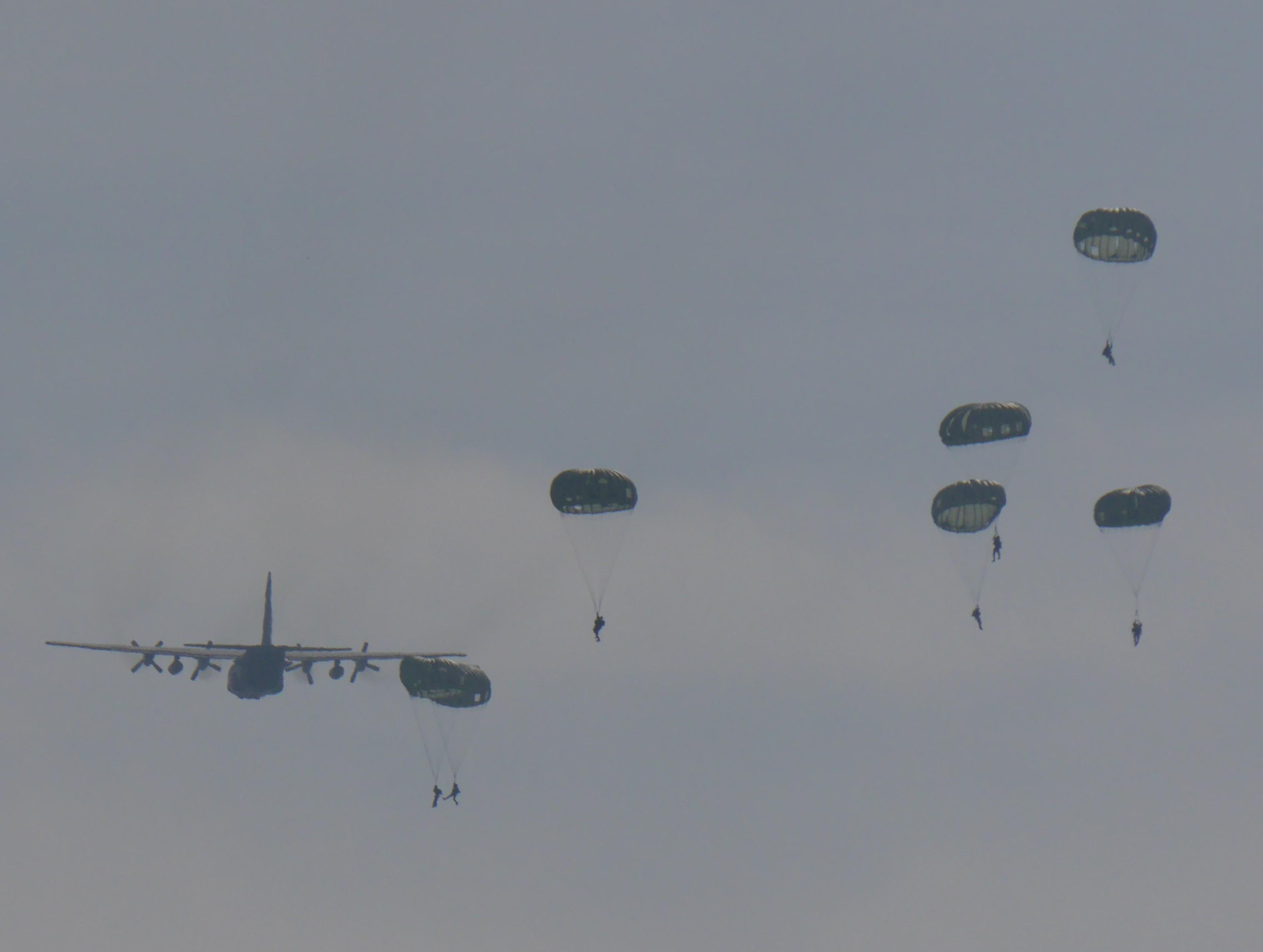 11月17日 パラシュート訓練