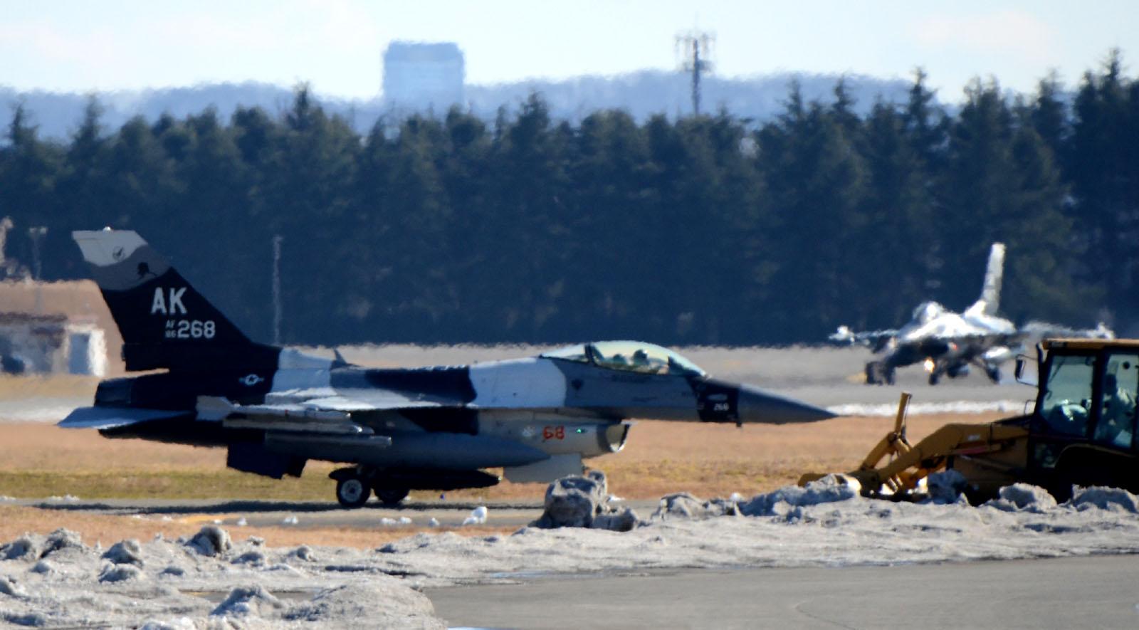 F16c160125g572