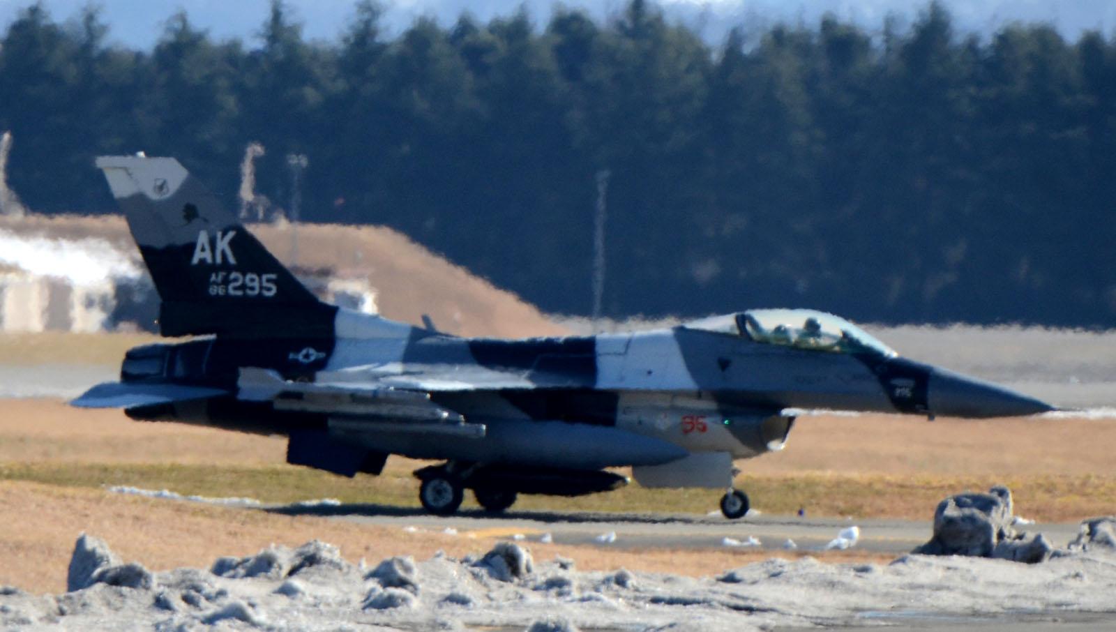 F16c160125g581