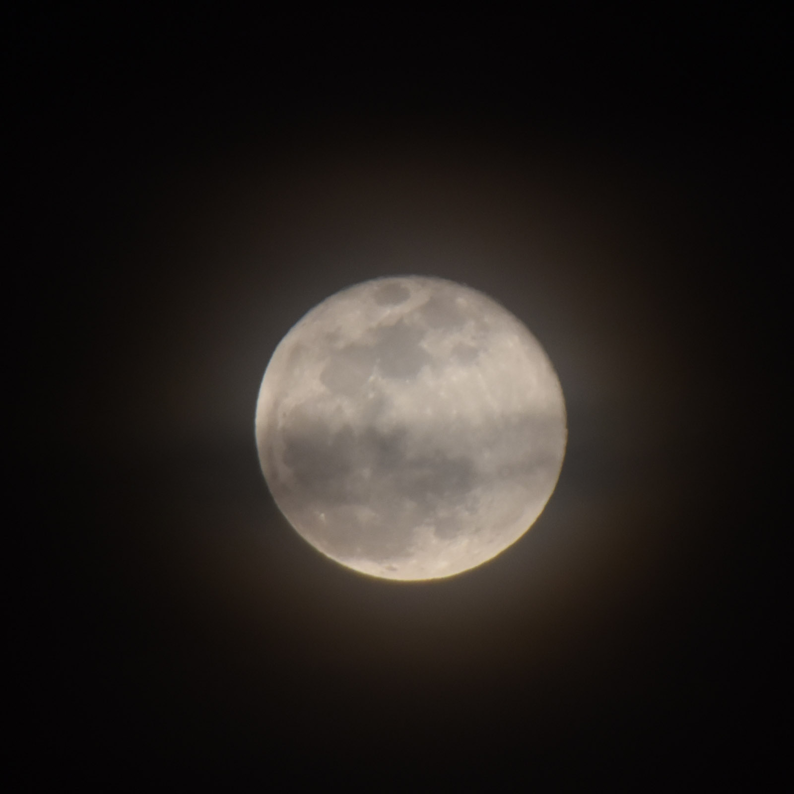 Moon160324g222