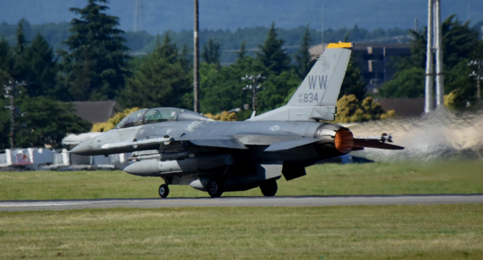 F16dm160610g926