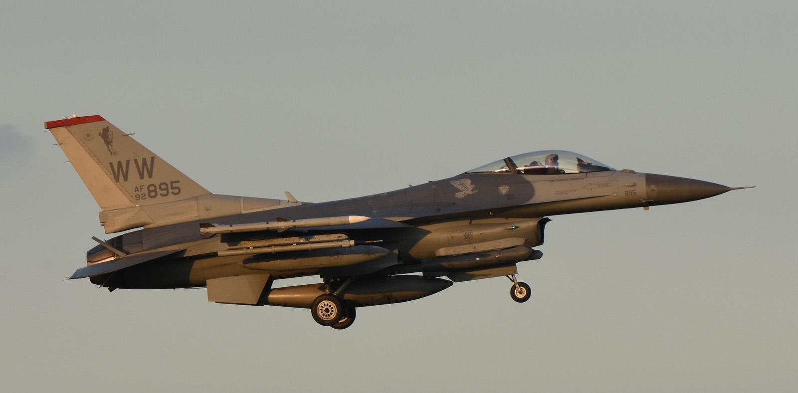 F16cm160730g049