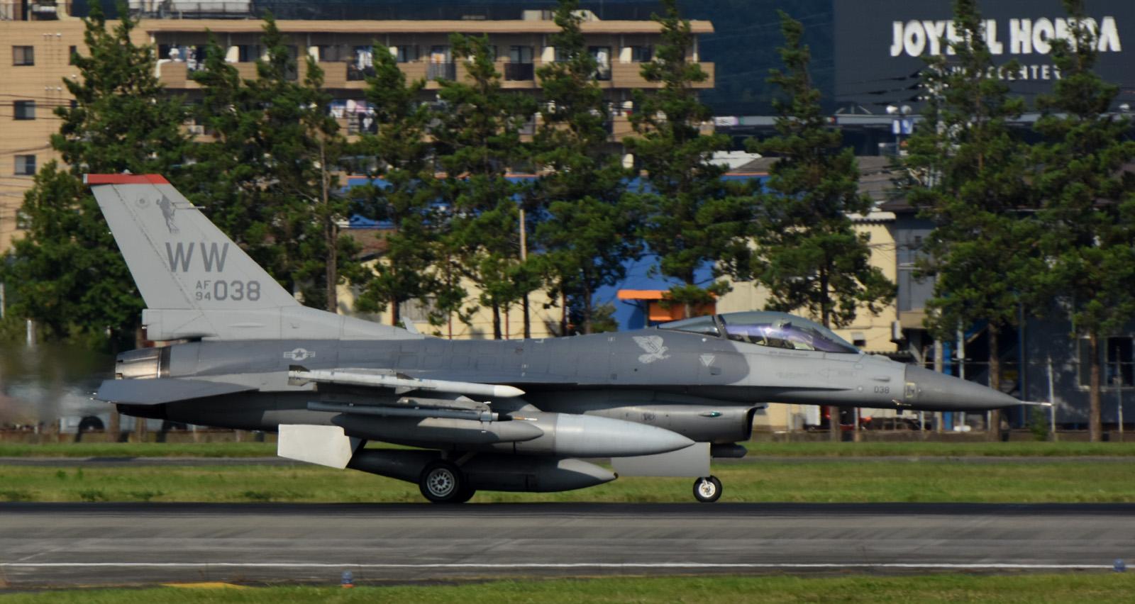 F16cm160805g088