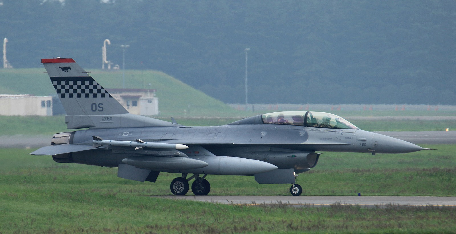 F16dm160915g298