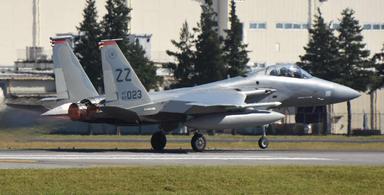 F15c161026g617