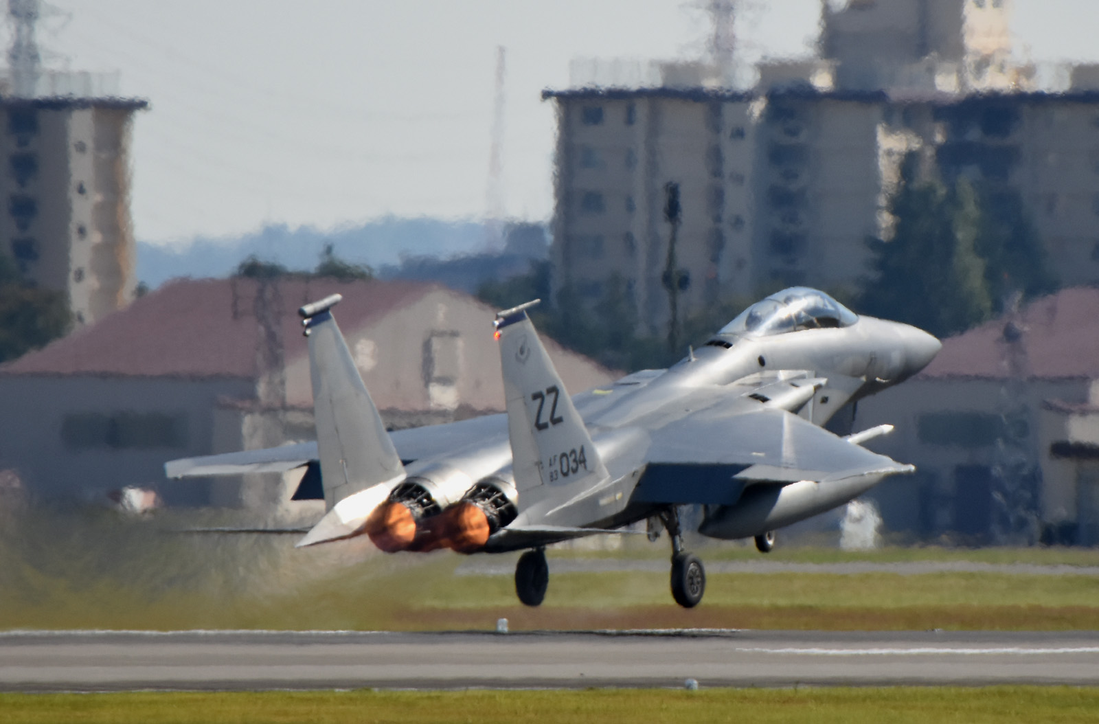 F15c161026g646_2