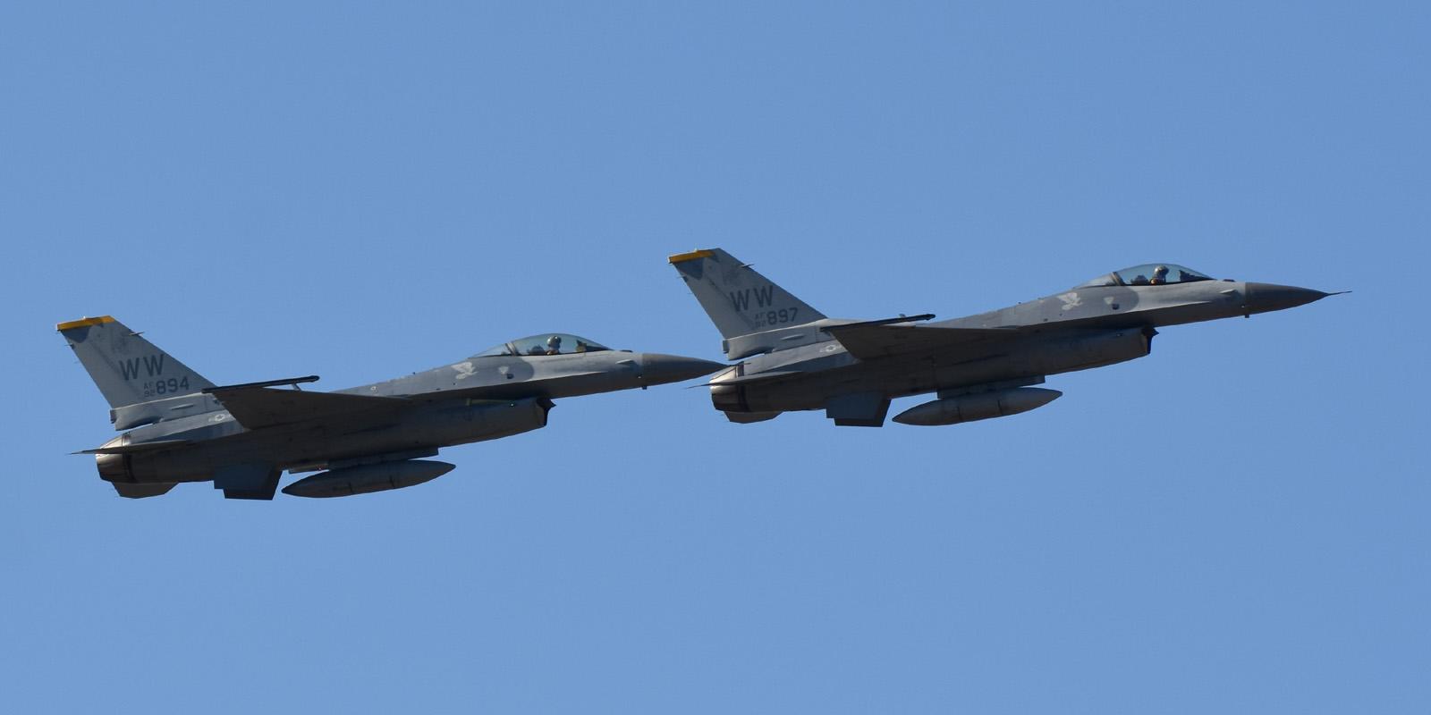 F16cm161202g753