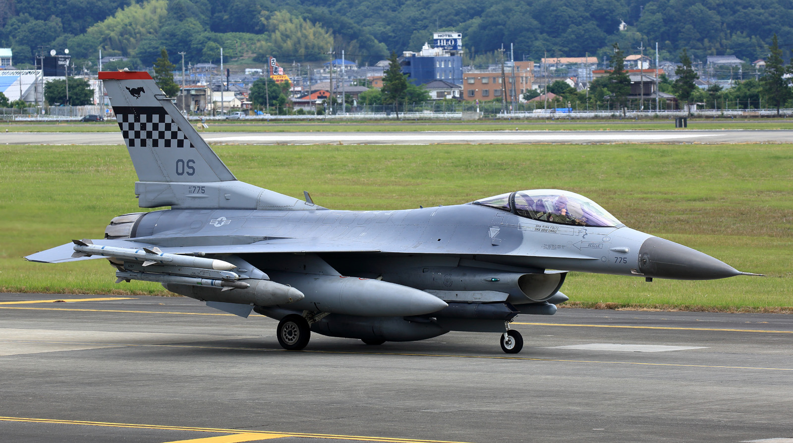 F16cm170601tk851