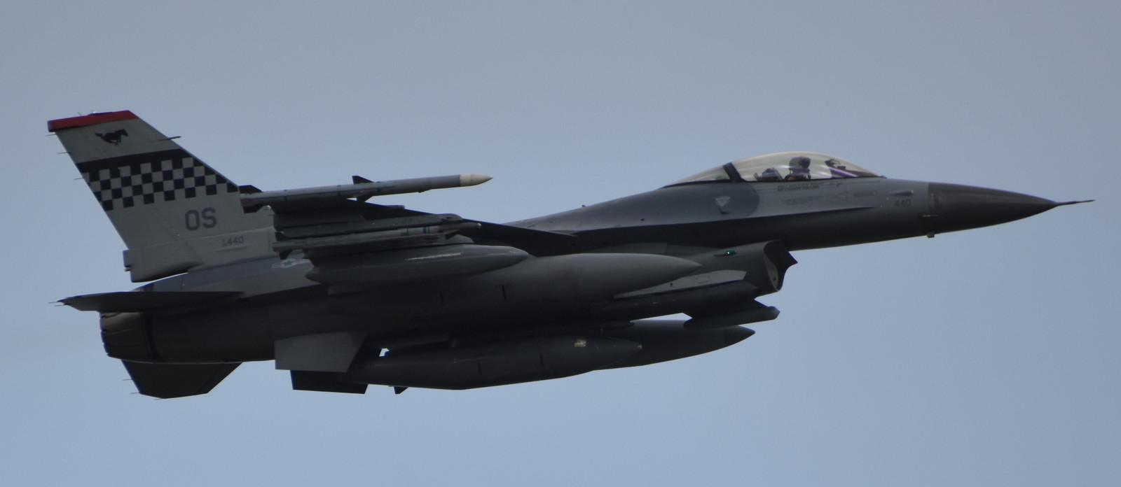 F16cm170604g355