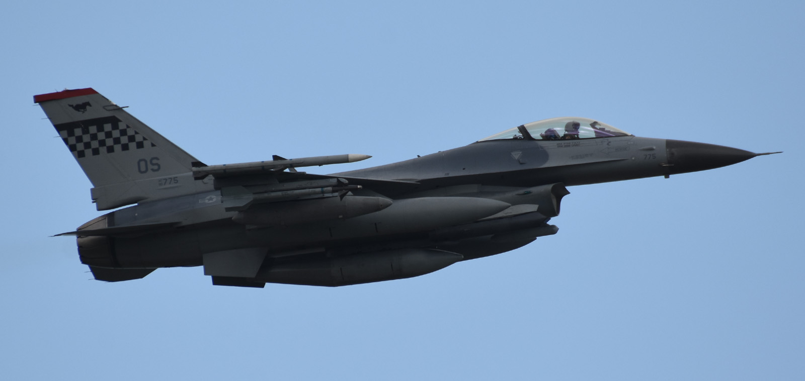 F16cm170604g384
