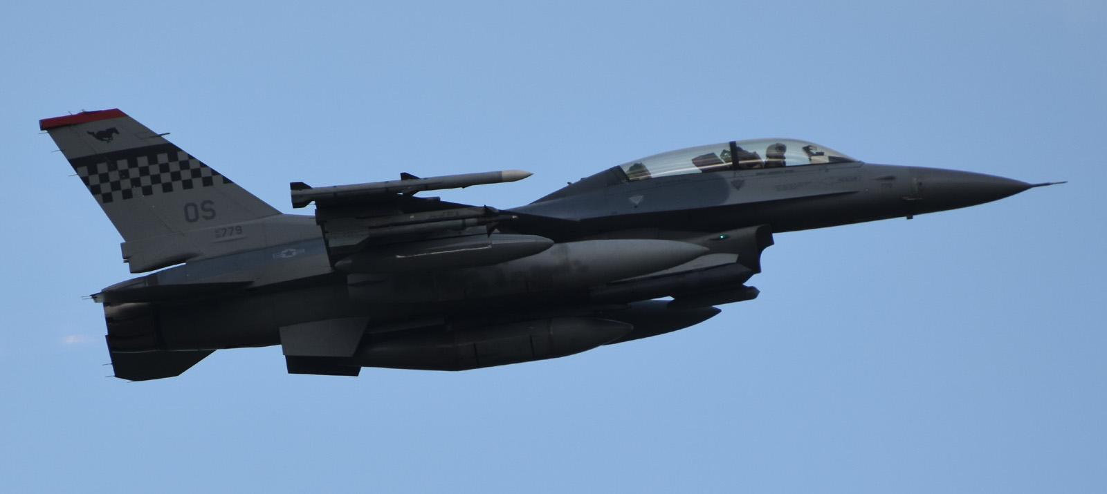 F16dm170604g247