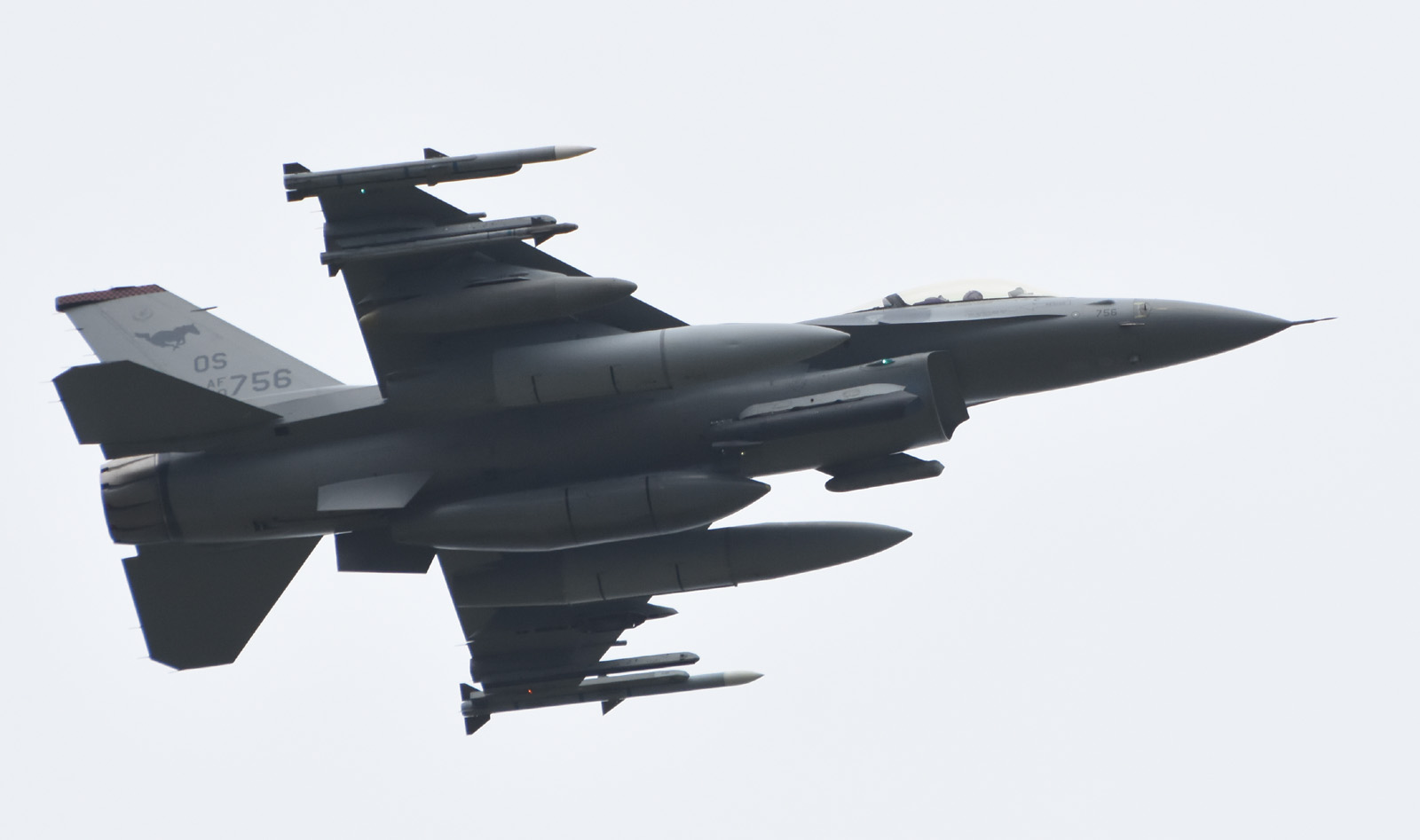 F16cm170606g767