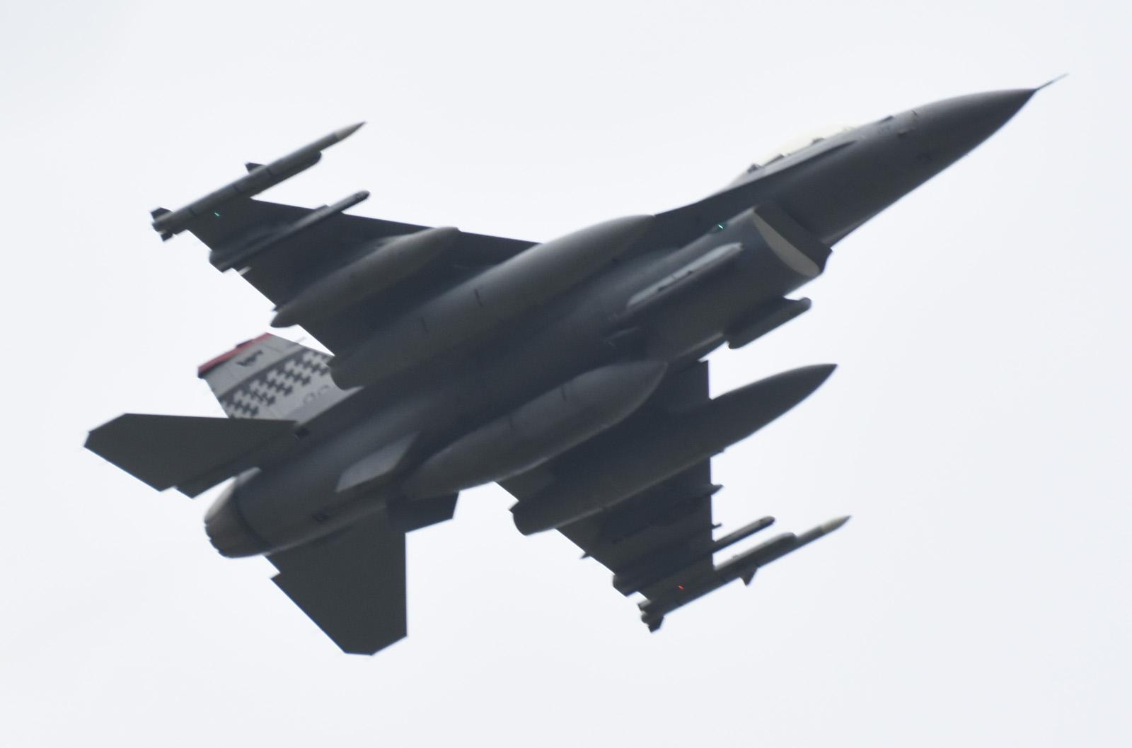 F16cm170606g771