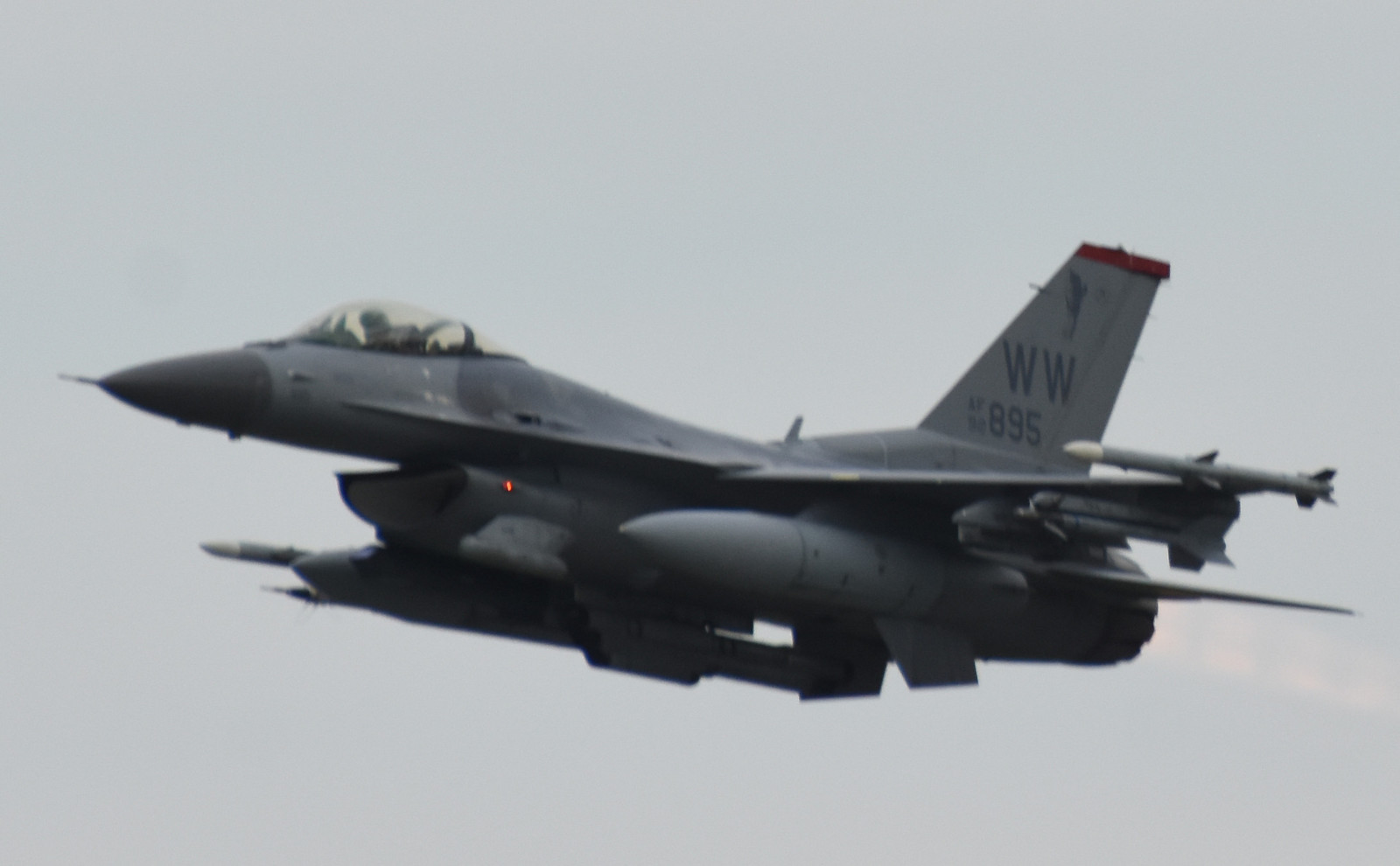 F16cm170825g772