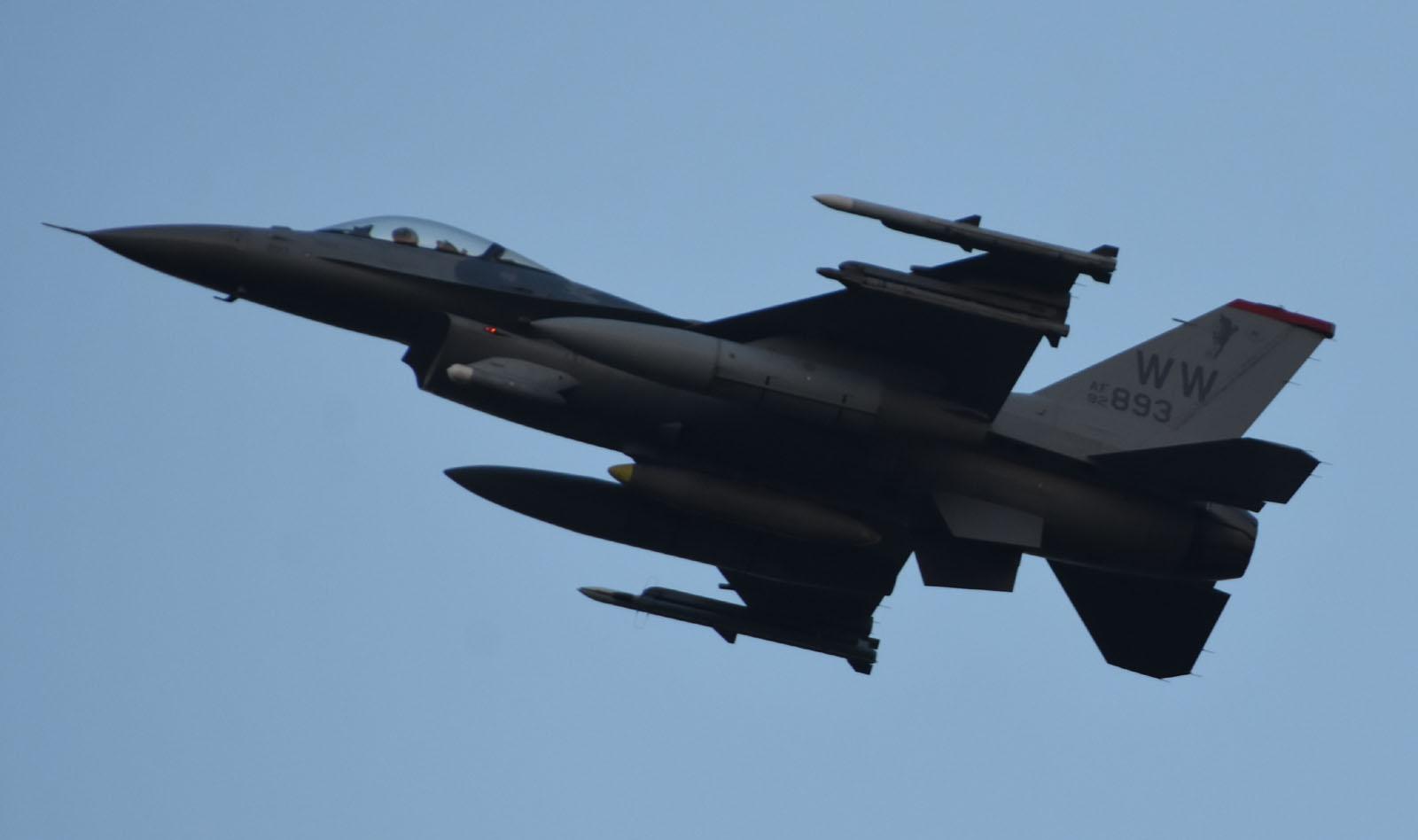 F16cm170930g491