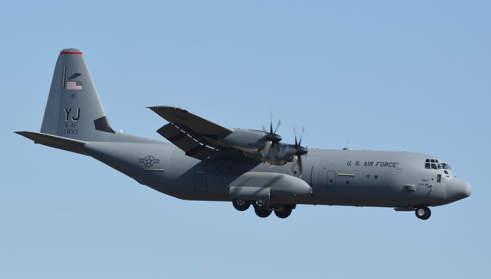1月11日 C-130J-30 YJ Formation