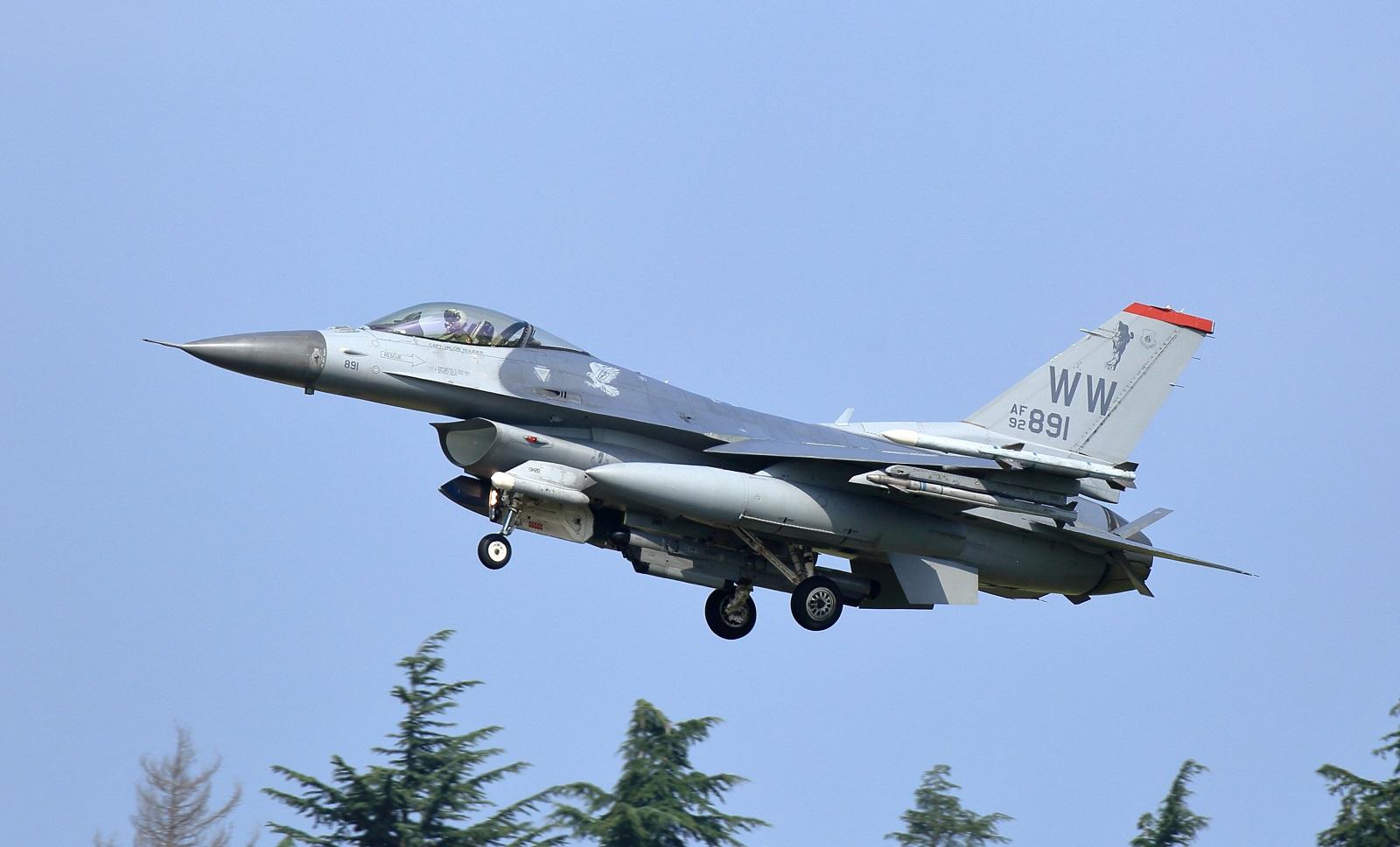 F16cm180720tk813