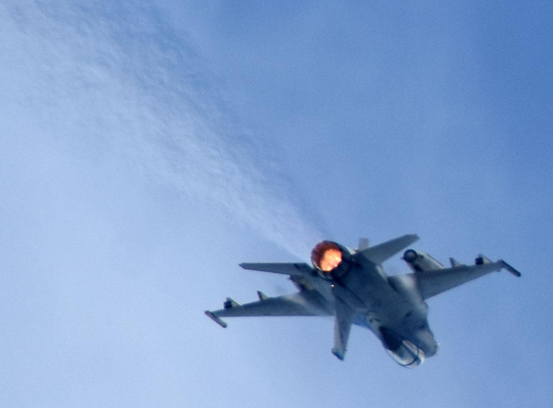 F16dm180917g127