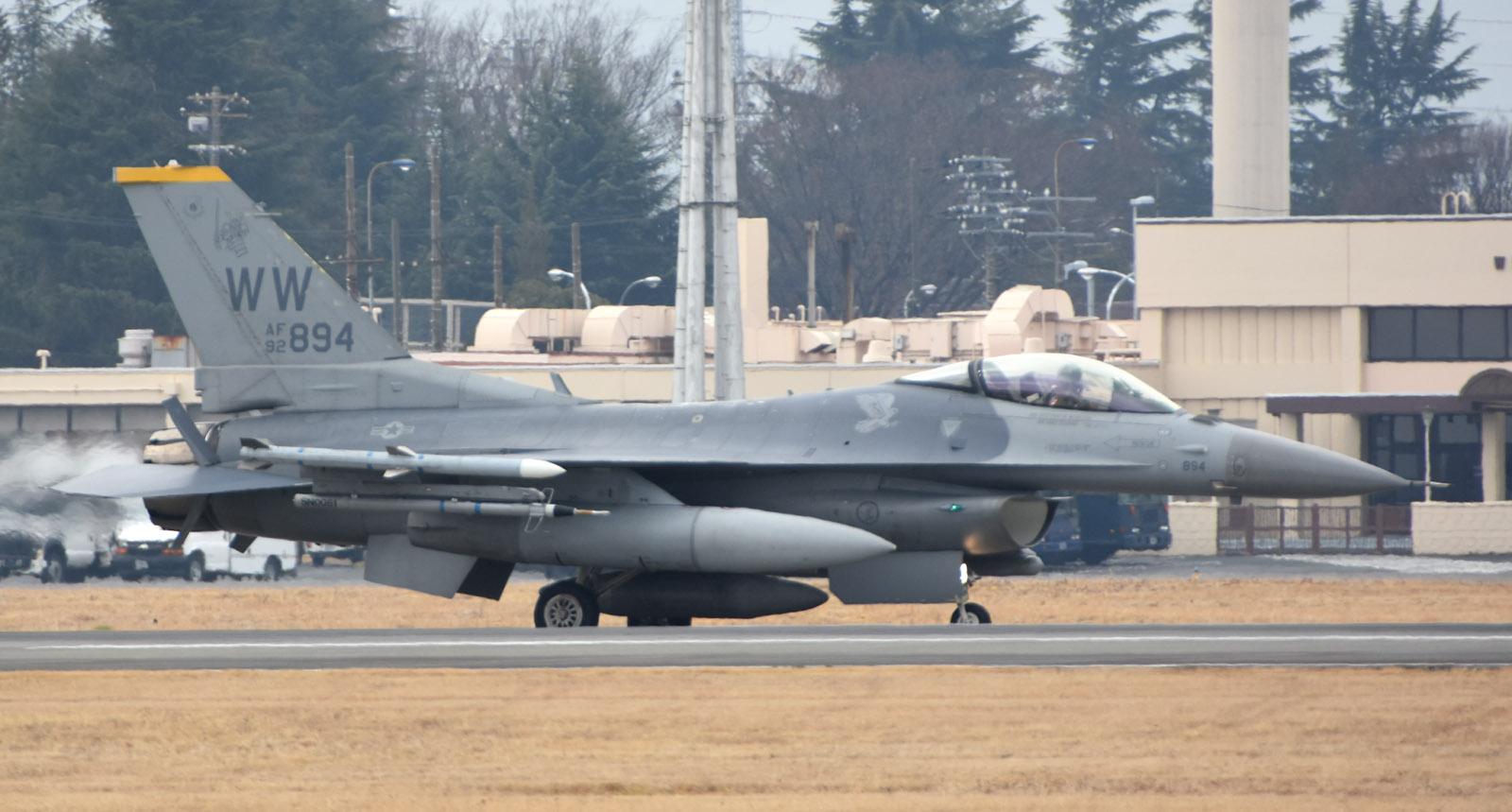 F16cm190301g610